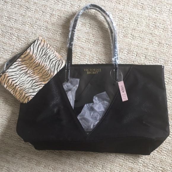 Victoria's Secret Handbags - NWT Victoria's Secret tote w/ window, extra pouch